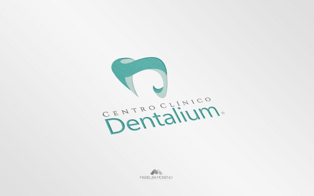 Logo Cetro Clínico Dentalium - Diseño por Marielba Moreno Diseño Gráfico